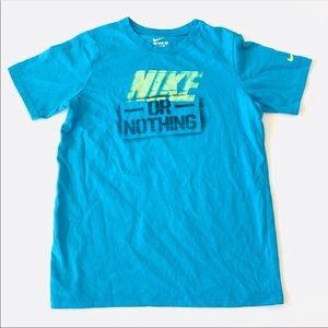 ✔️Boys M Nike Graphic Tee ✔️